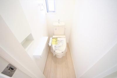 5号棟 1Fトイレ 窓付きの明るい空間