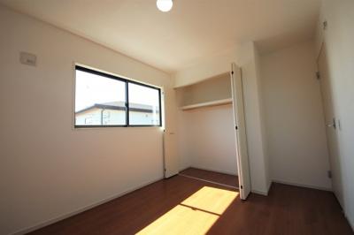 2号棟 便利な収納スペースです