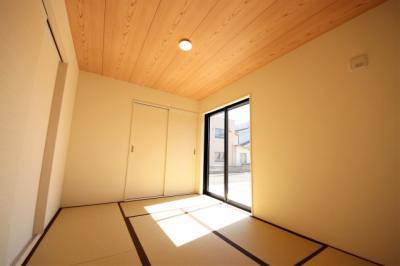2号棟 日本らしい落ち着いた雰囲気の和室です