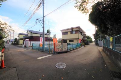晃宝小前 北東角地 2台分の駐車スペース有