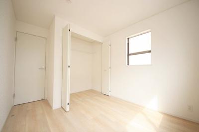 2号棟 個人の部屋や寝室として使える洋室です