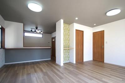 もともとあった和室部分もLDKに組み込みました。とても明るく広い空間になりました。