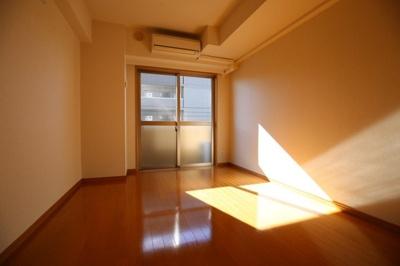 【洋室】スカイコート新宿落合南長崎駅前