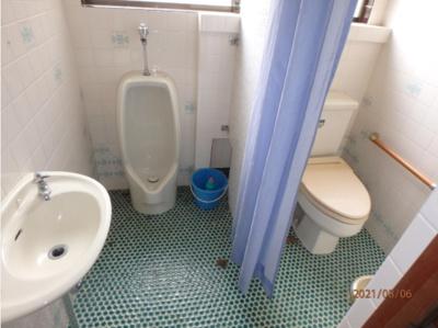 トイレを1つにしてコンパクトな空間に!トイレだった空間は収納スペースに♪(2021年8月撮影)