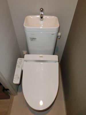 ウォシュレット付き・個室タイプのトイレ(同一仕様)