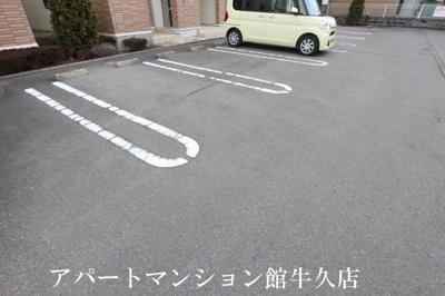 【駐車場】セレッソ弐番館