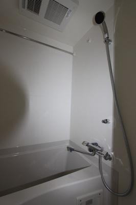 【浴室】アゼストお花茶屋