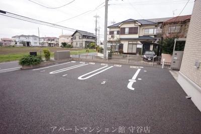 【駐車場】メゾンフローラ