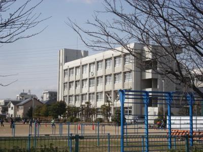 市立大津茂小学校まで580m