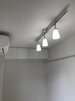 「照明付のお部屋です」