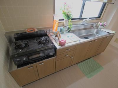 【キッチン】ファミール土井 A棟