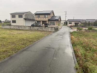 【前面道路含む現地写真】熊本県玉名市滑石 事業用地