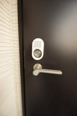 「スマートロック対応の玄関です」
