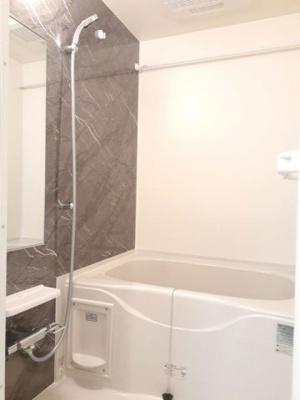 【浴室】ティー・オリーブ