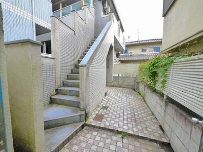 【エントランス】シティパレス21法蓮P-3