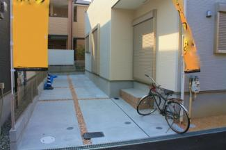駐車場2台に自転車バイクなども可能です