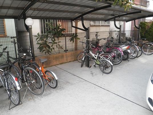 駐輪場も有ります