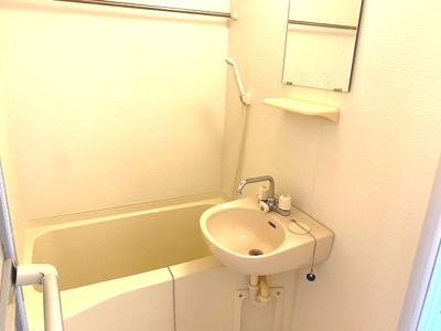 【浴室】ミヨシ