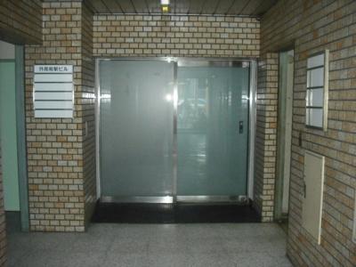 【エントランス】外苑前駅ビル