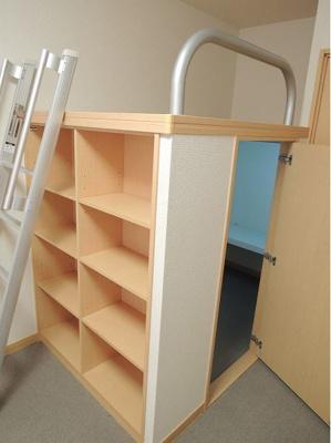 造り付ベット、ベット上就寝スペースとしてご利用いただけます。
