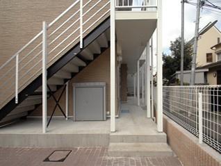 1階はフローリング、2階以上はカーペットタイプとなります。