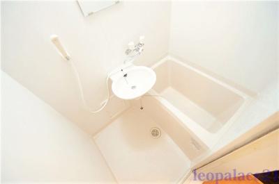 2点ユニットタイプ、浴室換気乾燥機付き 同タイプ室内