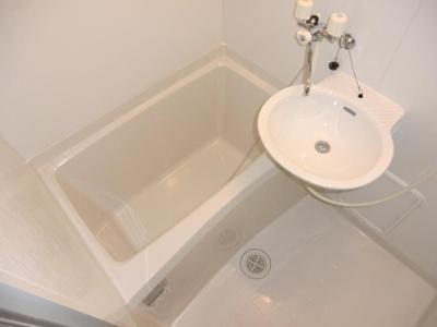 【浴室】レオパレスコスモガーデン