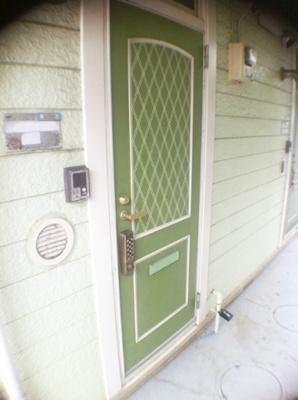 【外観】オカセントラルガーデン   京王線桜上水駅7分!浴室乾燥機付きだから雨の日の洗濯も躊躇うことなくできます!外観がかわいいワンルームアパートです!角部屋窓南向きで明るいお部屋です◎