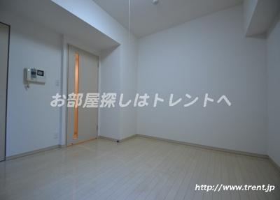 【居間・リビング】プレールドゥーク北新宿