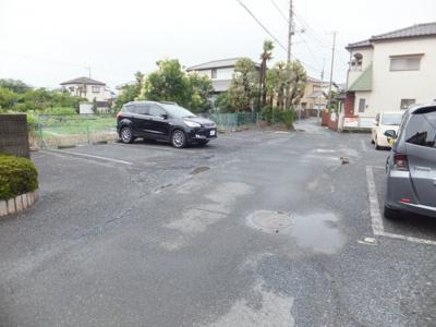 【駐車場】リヴェール サーティ