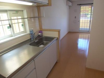 広々としたキッチンスペース