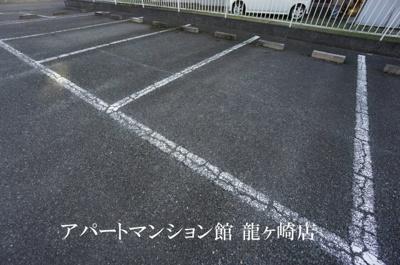 【駐車場】クレスト藤ヶ丘B