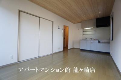 【居間・リビング】クレスト藤ヶ丘B