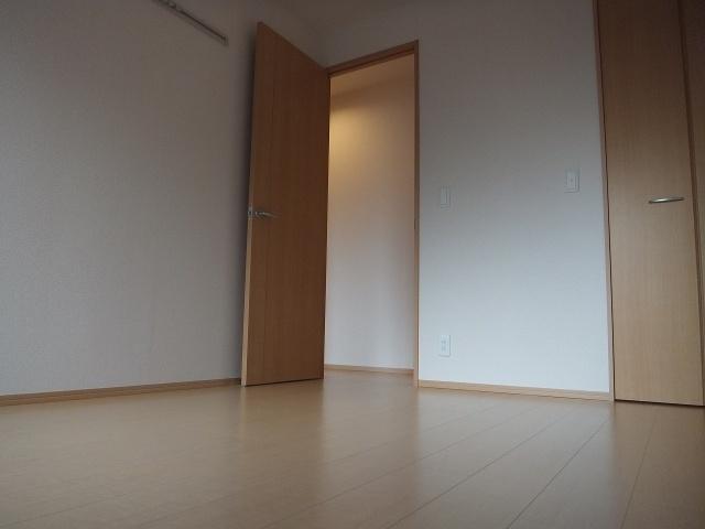【洋室】コマツローズスクエアカサショコラ