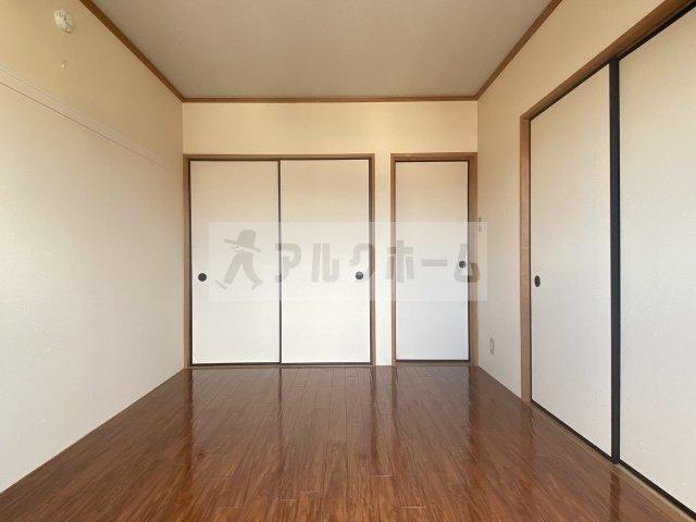 ガーディナルハイツ 和室