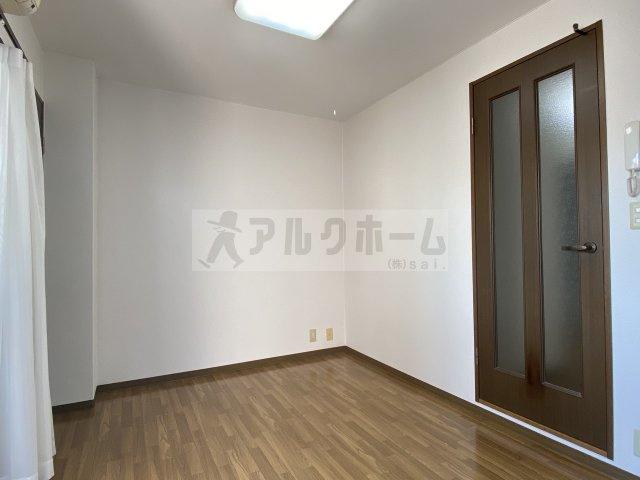 ヴィクトリーレジデンス(柏原市国分本町) 冷蔵庫