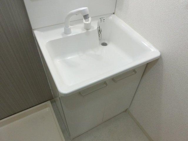 【独立洗面台】グラード柏原(旧:メゾンドュポルテマイヨ)