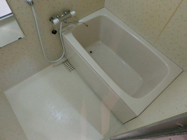 【浴室】グラード柏原(旧:メゾンドュポルテマイヨ)