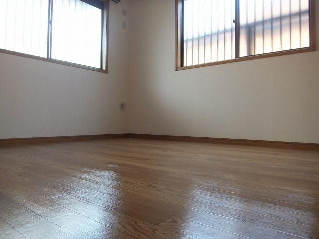スッドパラグレッソ 洋室