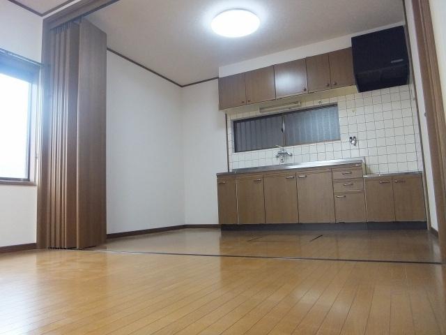 【居間・リビング】杉田ハイツ