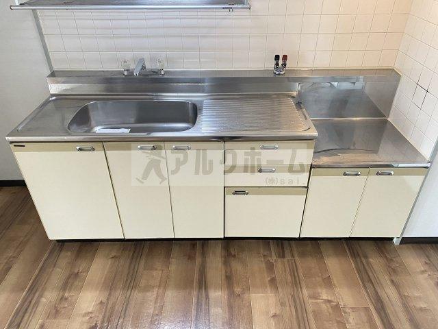 パラシオン旭ヶ丘 (リビング 10.5畳)