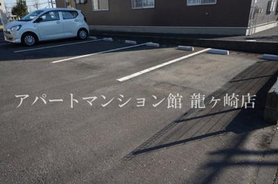 【駐車場】グランシャリオ白羽A