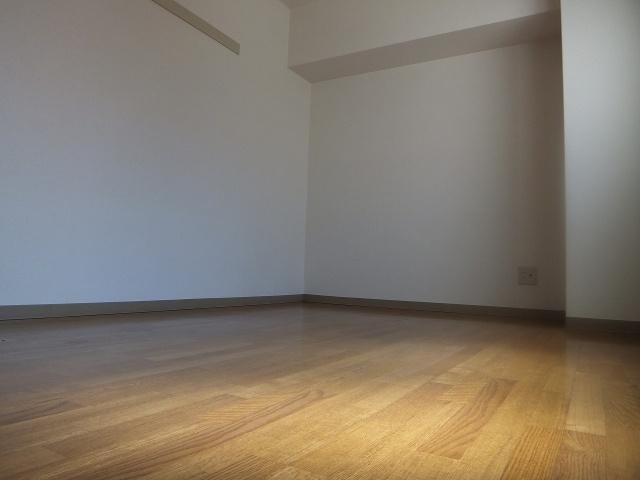 【洋室】プラム離宮
