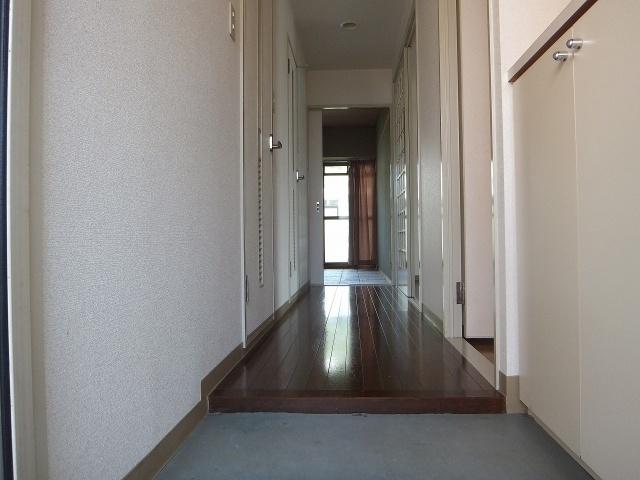 【玄関】プラム離宮