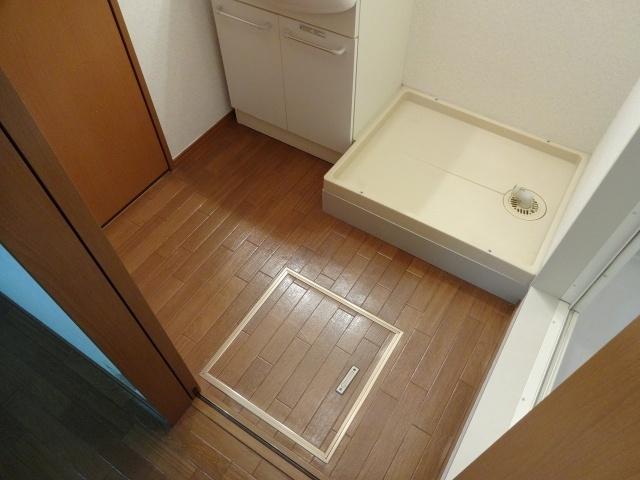 グレイスコート(室内洗濯機置場)