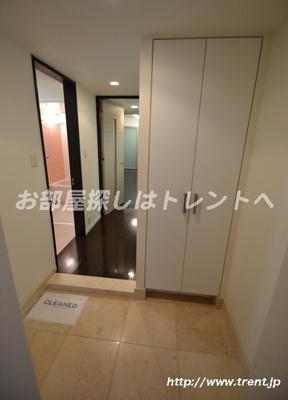 【玄関】プライムアーバン新宿内藤町