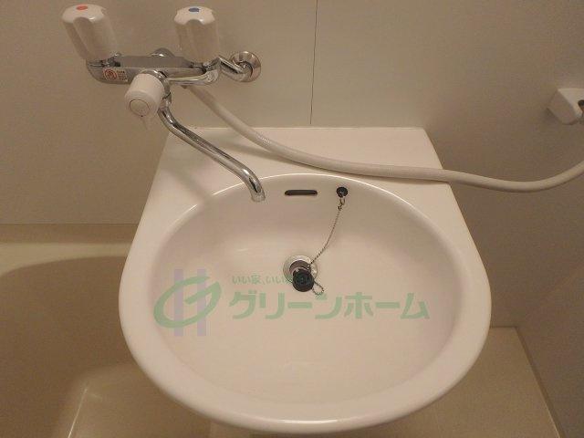 【独立洗面台】ステップ第1ビル