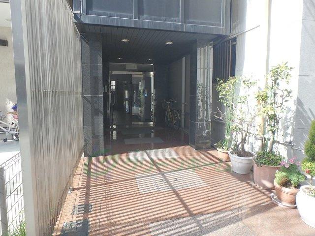 【エントランス】ステップ第1ビル