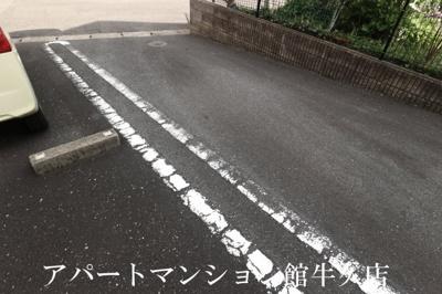 【駐車場】ブルースカイ