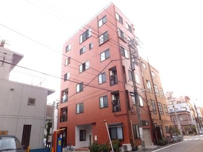 閑静な住宅街に立地したマンション